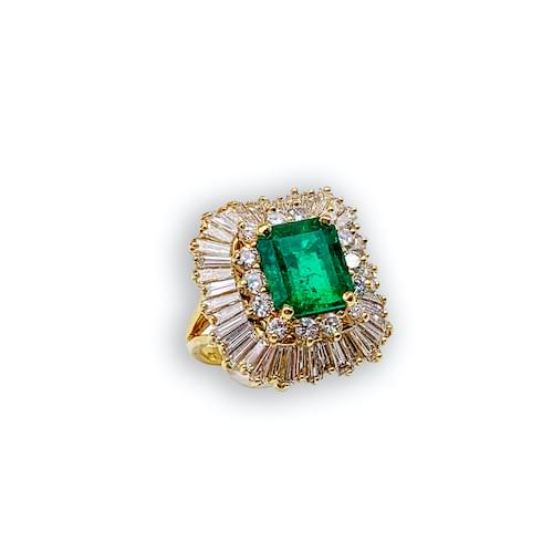 Jewelry store on Ocean Avenue. Emerald & Diamond Estate Yellow Gold Ring Carmel by the Sea. Custom jewelry and bespoke jewelry Monterey CA